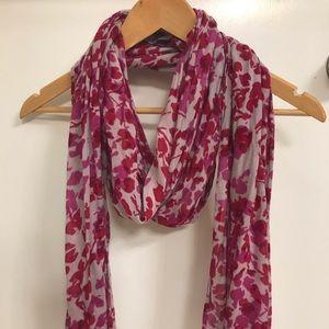 Banana republic scarf, magenta tones